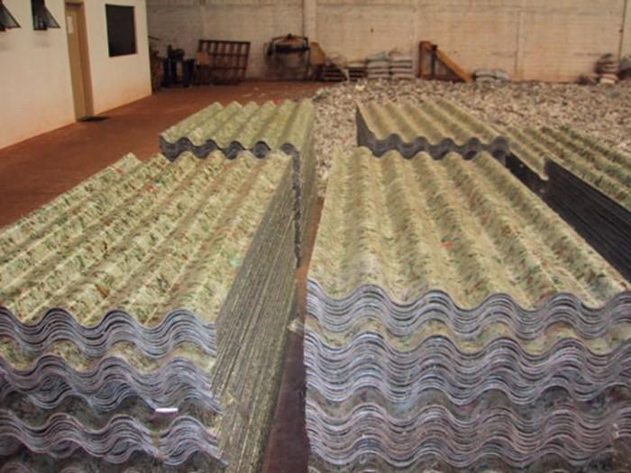 Telha de papel reciclado