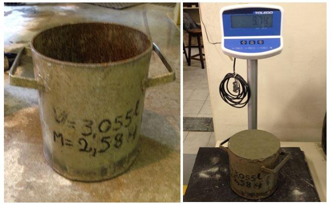 Molde e pesagem para determinação da massa específica do concreto