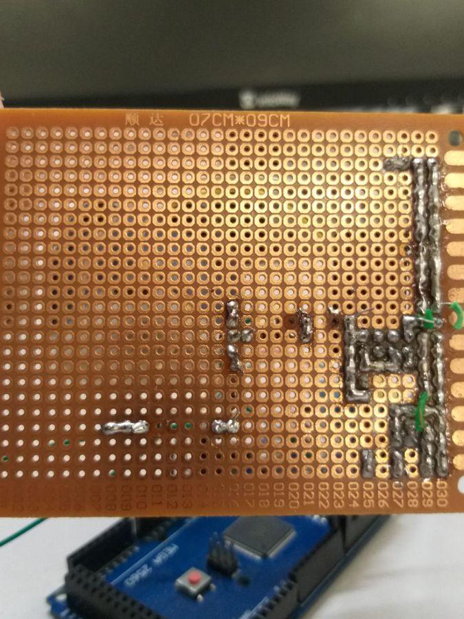Soldagem da placa de circuito impresso do sistema de irrigação