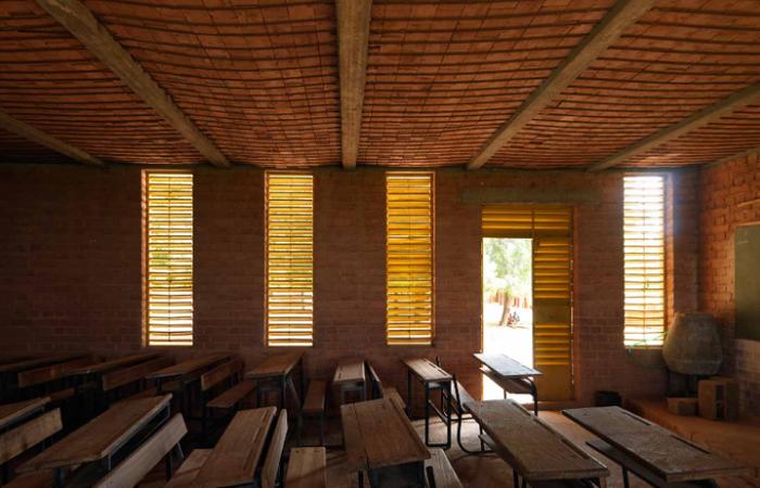 Interior de uma das salas da escola