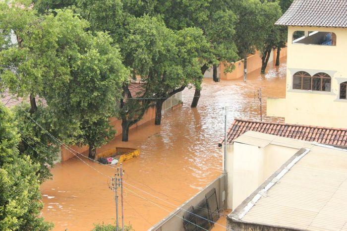 Ilha dos Araújos - Enchente de 2012