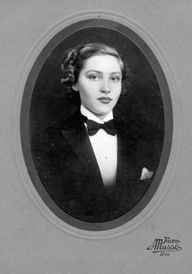 Foto de formatura do curso ginasial do colégio Sílvio Leite, em 1936.