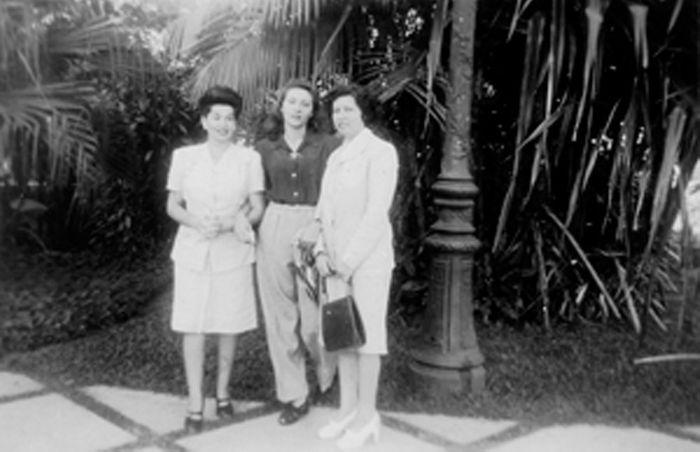 Da esquerda para direita: Tania, Clarice e Elisa. Rio de Janeiro, set. 1952.