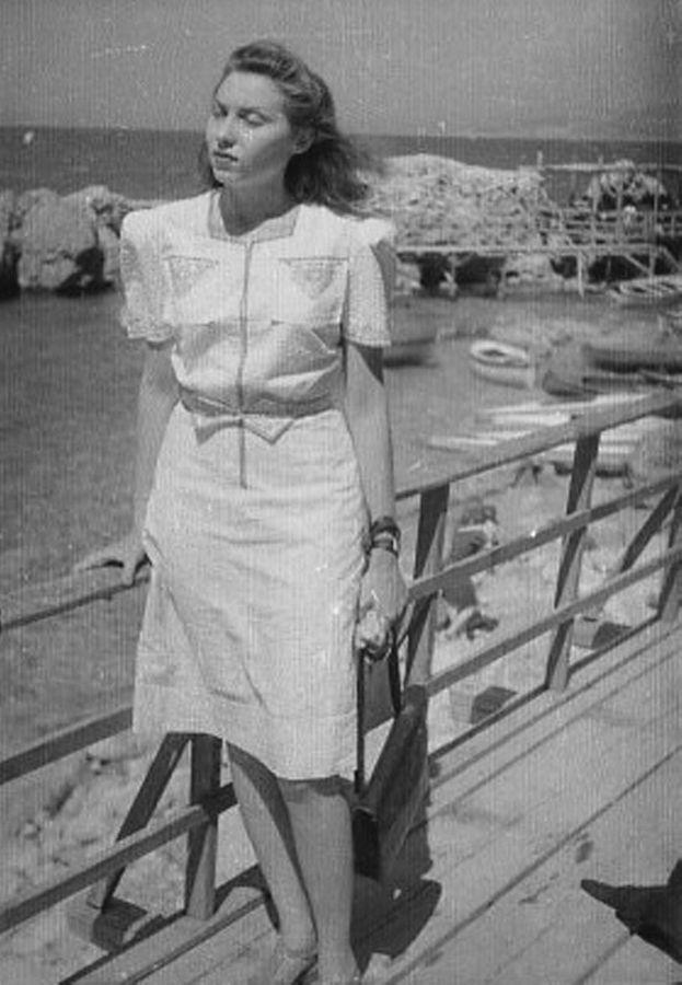 Clarice em Nápoles. Década de 1940.