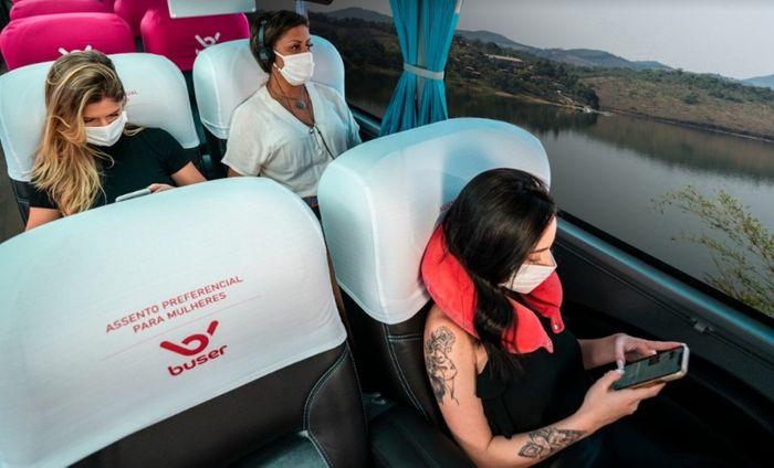 Foto promovendo a iniciativa da Buser contra o assédio às mulheres