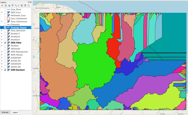 Polígonos das bacias de drenagem encontradas na região delimitada pelo MDE