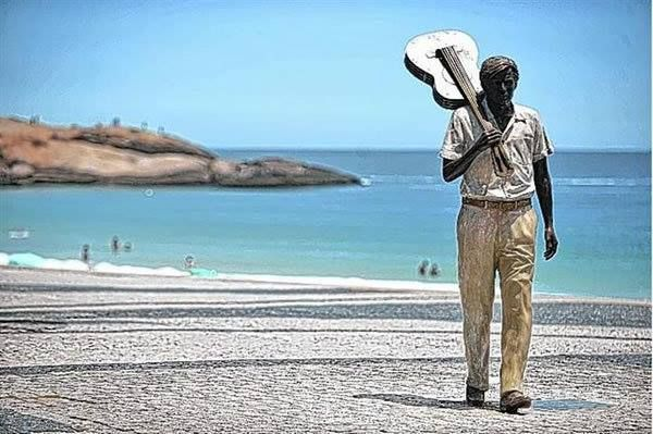 As pedras do Arpoador e estátua de Tom Jobim, Rio  2020.