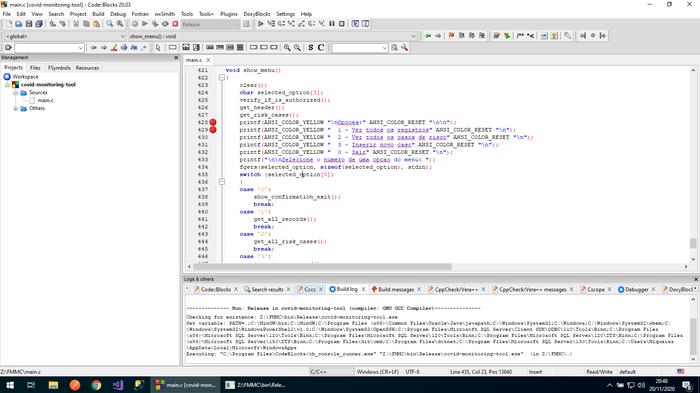 Código sendo compilado e executado com pontos de interrupção