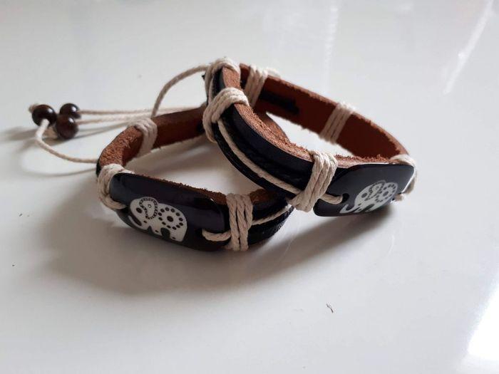 Par de pulseiras africana.