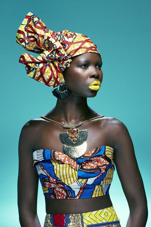 Acessórios com identidade africana.