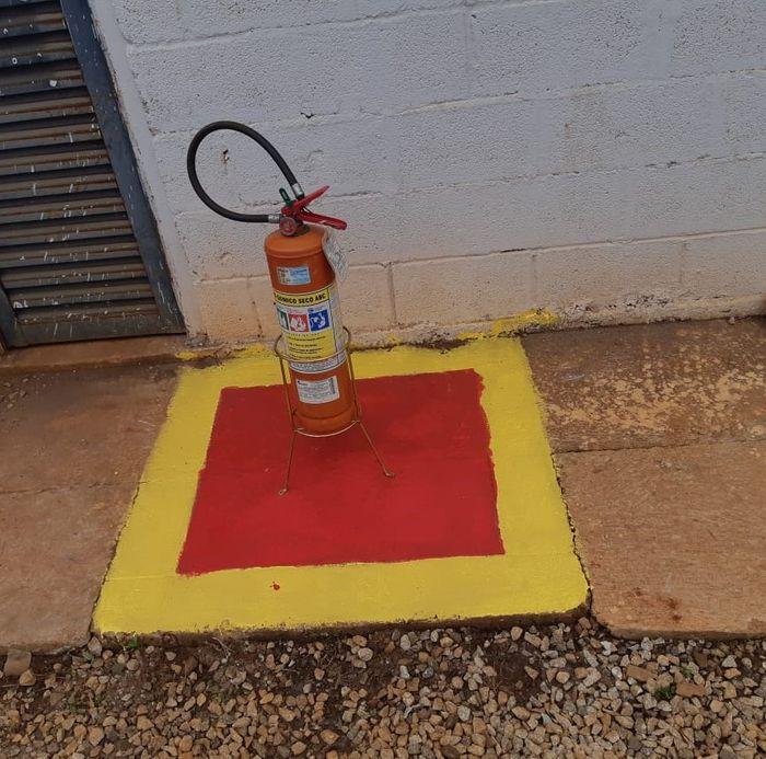 Área Destinada a Extintor de Incêndio